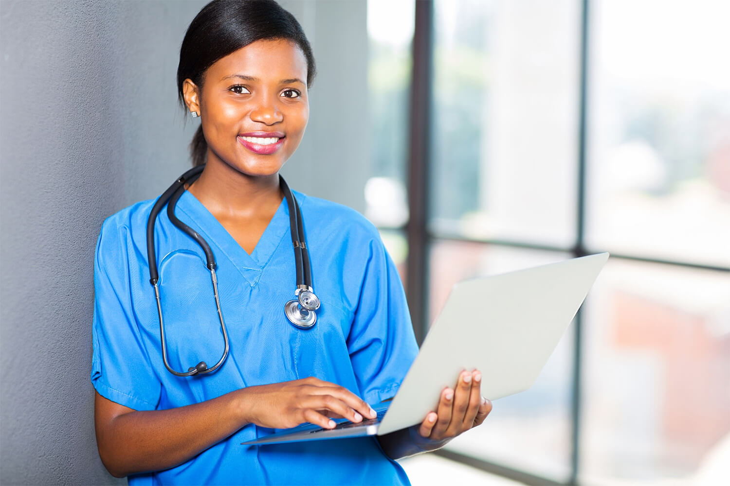 Top 15 States with Best Salaries for CNAs