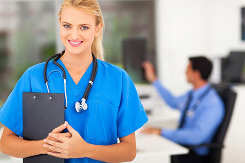 Top 10 Traits of First-Rate CNAs